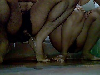 (part2) Indian Jeet & Pinki bhabhi pissing gather up